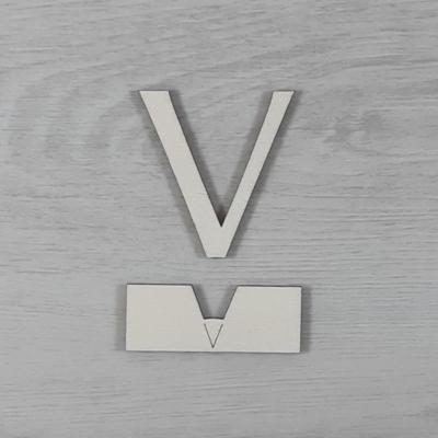 V' betű, illesztősablonnal - 3 cm, natúr