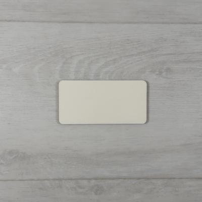 Téglalap alakú tábla, kerekített sarokkal - 4x2cm, natúr