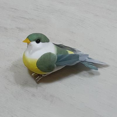 Madárka, tollas - zöld, csipeszes, 8cm
