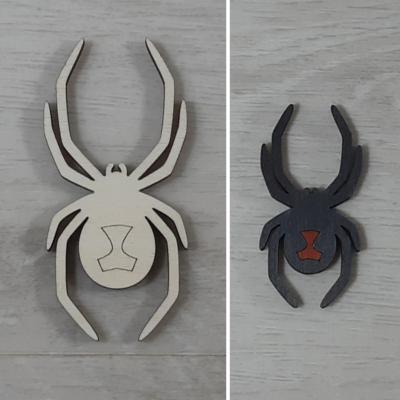 Fekete özvegy, pók - 8,4cm, natúr