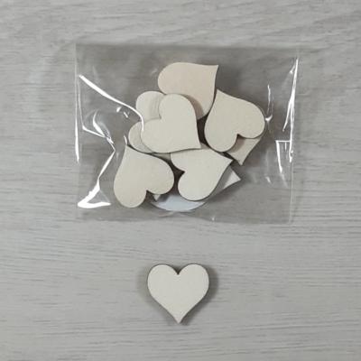 Szív alakú tábla - 2cm, natúr, 10db/csomag