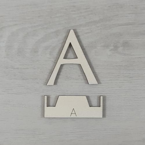 A' betű, illesztősablonnal - 3 cm, natúr