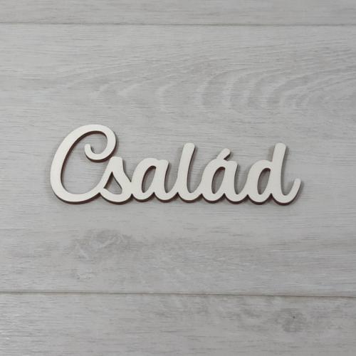 Család felirat - 'Molly' betűtípussal, 12cm széles, natúr