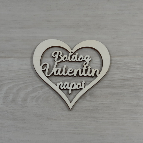 Áttört szív 'Boldog Valentin napot' felirattal - 10cm, natúr