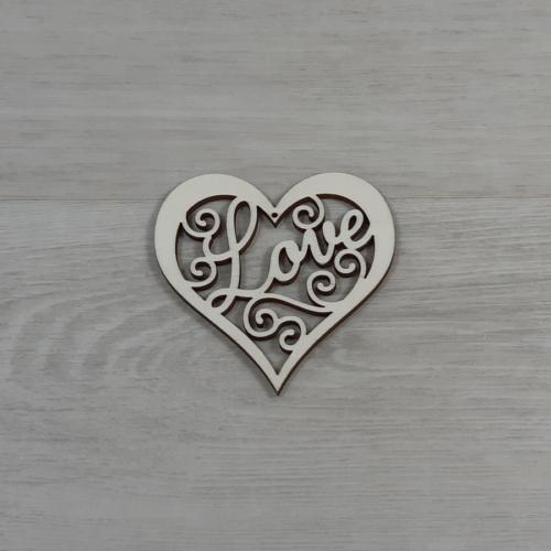 Áttört díszes szív 'Love' felirattal - 8cm, natúr